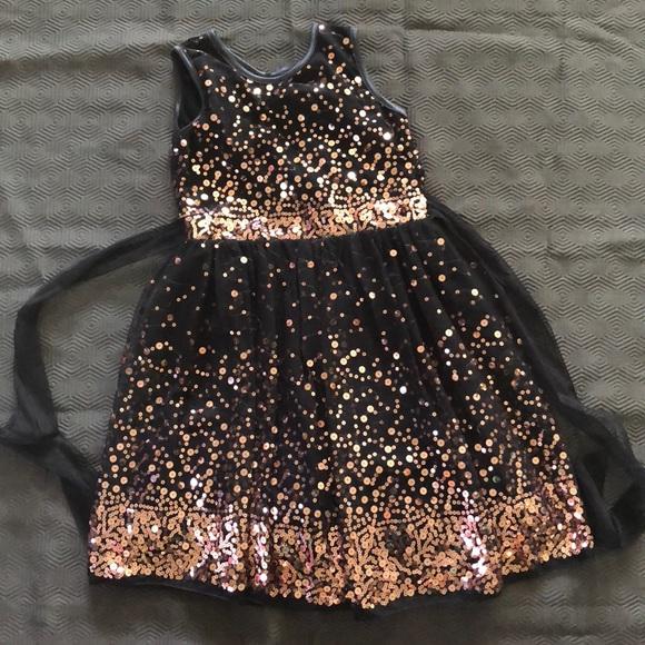 f08759021 Dressy Sparkly Dress Size 10 Girls - worn once
